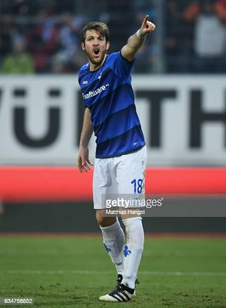 Peter Niemeyer of Darmstadt gestures during the Bundesliga match between SV Darmstadt 98 and Borussia Dortmund at Stadion am Boellenfalltor on...