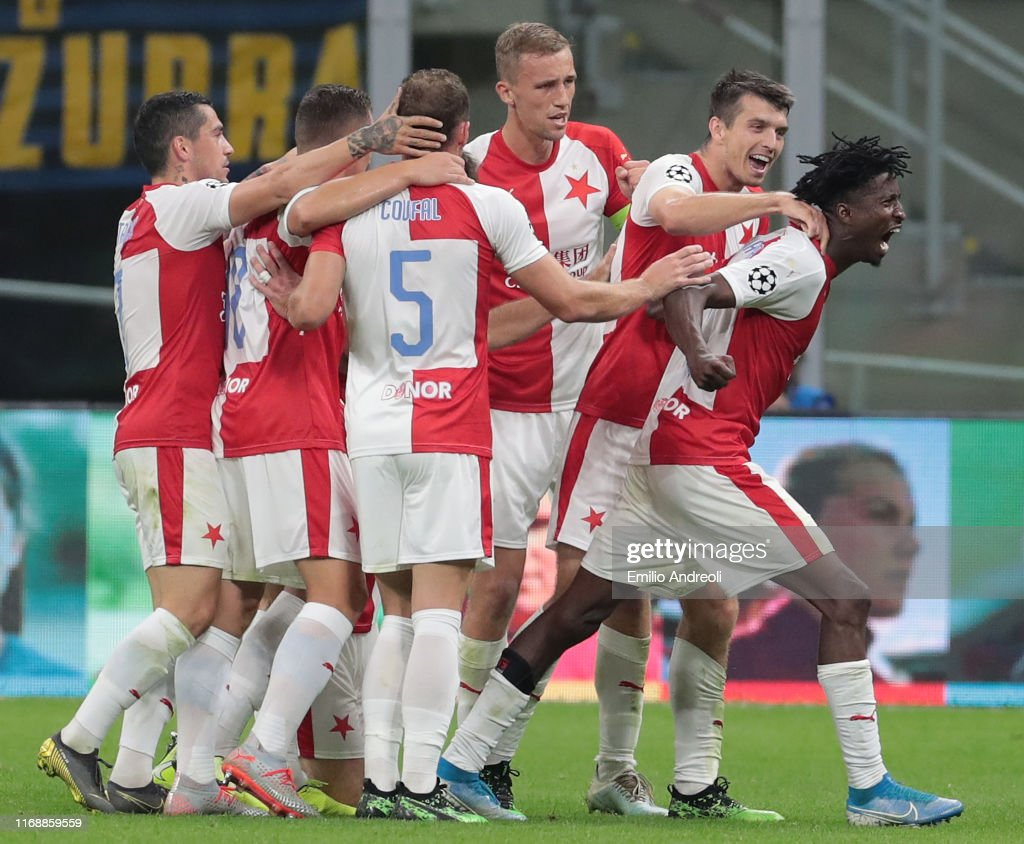 FC Internazionale v Slavia Praha: Group F - UEFA Champions League : News Photo