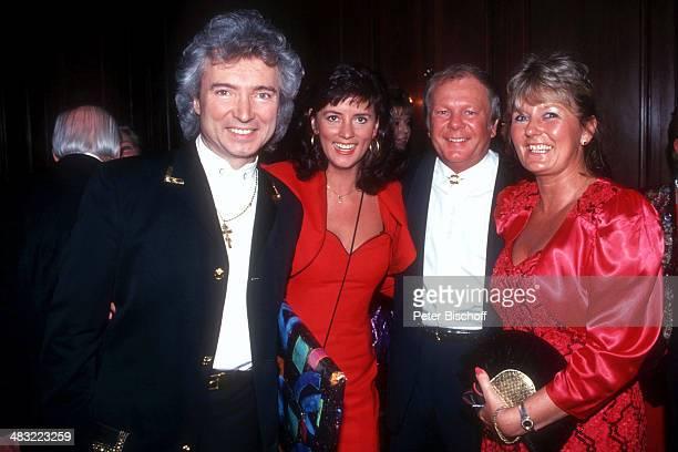 """Peter Orloff, Ehefrau Sieglinde """"Linda"""", Graham Bonney und Ehefrau Iris , Feier zum 60. Geburtstag von C h r i s t i a n B r u h n am , Hotel..."""