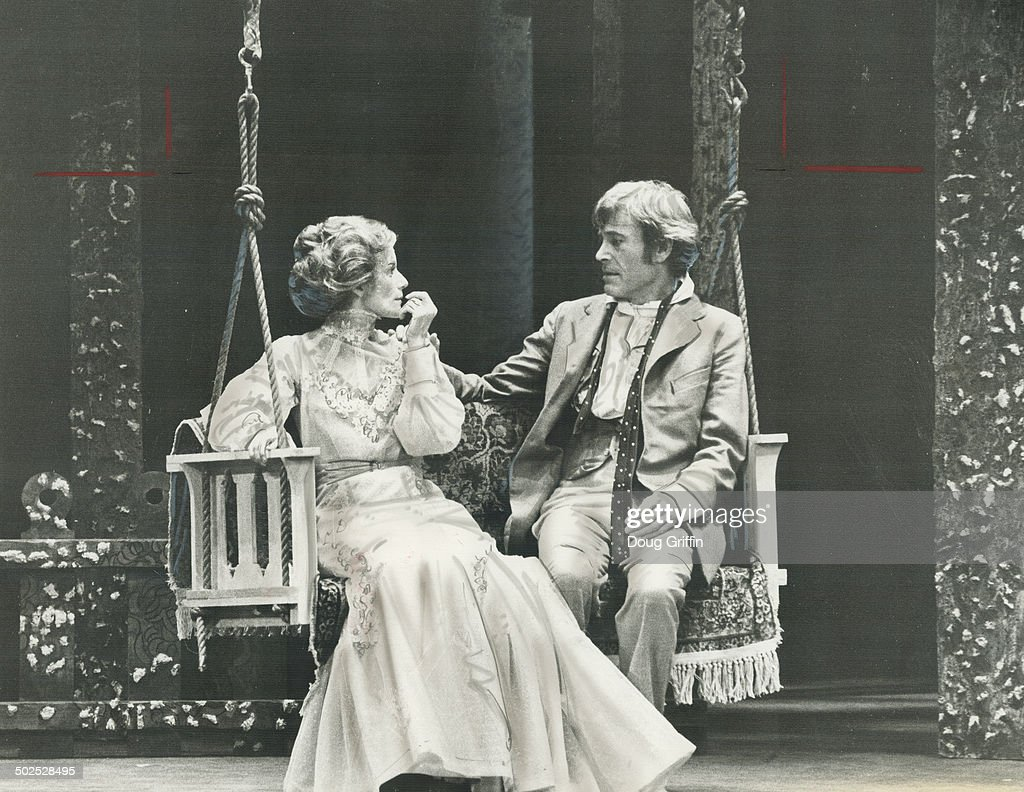 Piter O'Tul (Peter  O'Toole) Peter-otoole-and-jackie-burroughs-star-in-brand-new-production-of-picture-id502528495