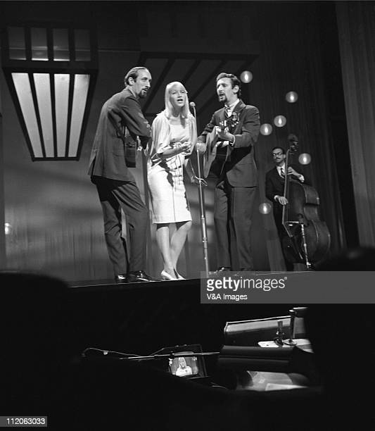 Peter Paul And Mary LR Noel 'Paul' Stookey Mary Travers Peter Yarrow performing on TV show 1962