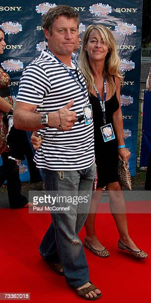 Peter Phelps and his wife Donna Fowkes arrive at the Sony Tropfest 2007 short film festival at The Domain on February 18 2007 in Sydney Australia