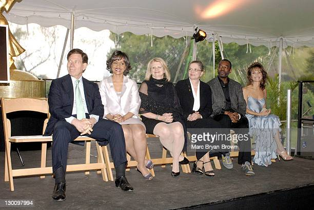 Peter Price Judge Glenda Hatchett Geraldine Laybourne Dr Twila Liggett Levar Burton and Susan Lucci