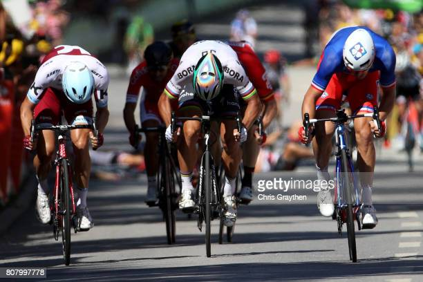 Peter Sagan of Slovakia riding for Bora-Hansgrohe sprints to the line during stage four of the 2017 Le Tour de France, a 207.5km stage from...