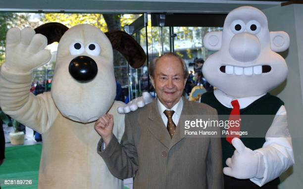 Peter Sallis with Wallace and Gromit during the UK premiere of 'Wallace Gromit The Curse of the WereRabbit' at the Odeon Leicester Square central...
