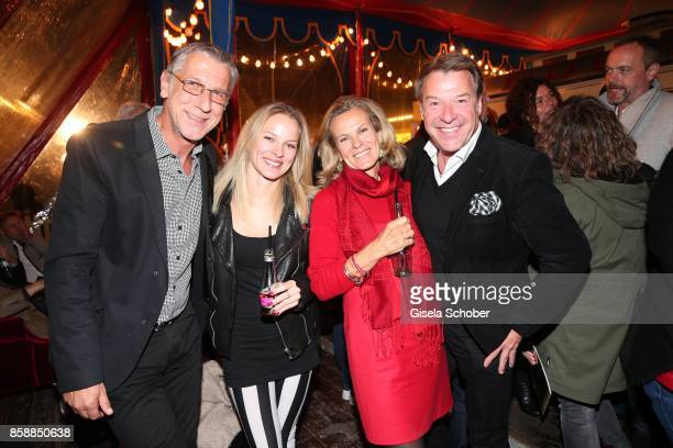 Peter Schaefer Jessica Reichenwallner and her mother Andrea L'Arronge Patrick Lindner during the premiere of the Circus Roncalli '40 Jahre Reise zum...