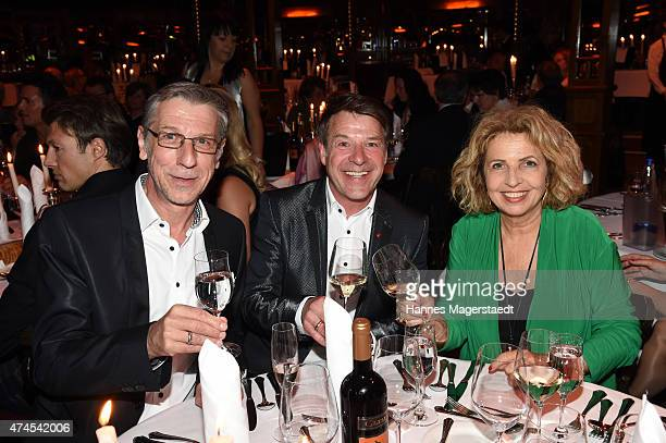 Peter Schaefer Patrick Lindner and Michaela May attend the 'Teatro Summer Night's Premiere In Munich' on May 23 2015 in Munich Germany