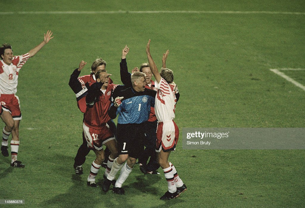 UEFA Euro '92 Semi-Final - Netherlands v Denmark : News Photo