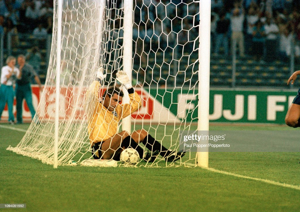 West Germany v England - 1990 FIFA World Cup Semi Final : News Photo