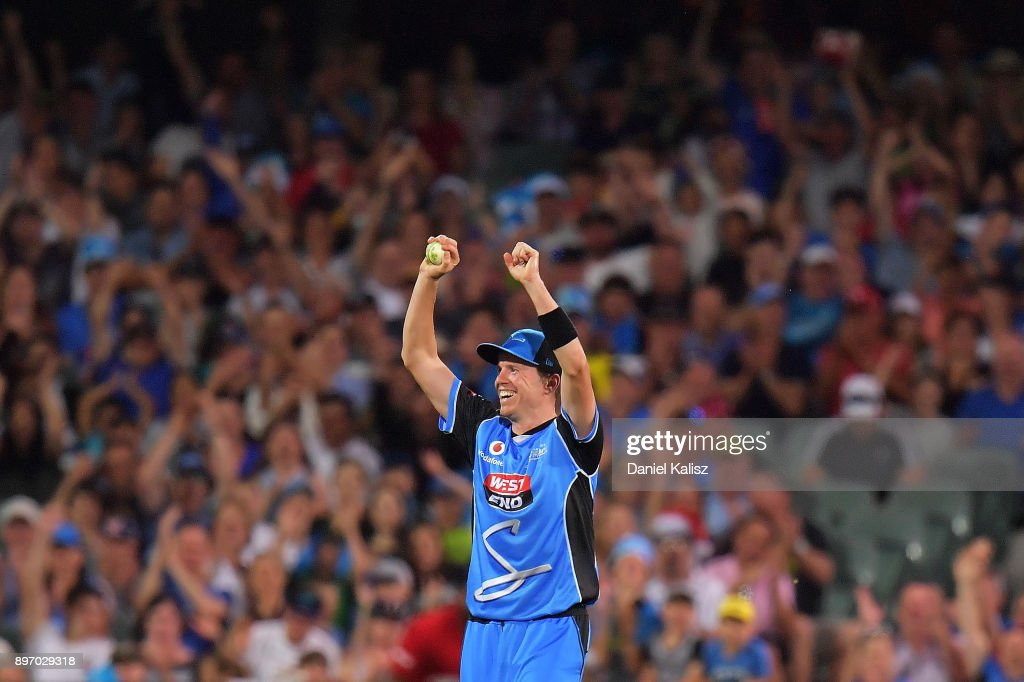 BBL - Strikers v Thunder