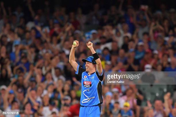 Peter Siddle of the Adelaide Strikers celebrates after taking a catch to dismiss Kurtis Patterson of the Sydney Thunder during the Big Bash League...