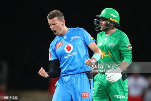 Peter Siddle of the Strikers celebrates dismissing Ben Dunk during the Big Bash League match between the Melbourne Stars and the Adelaide Strikers at...
