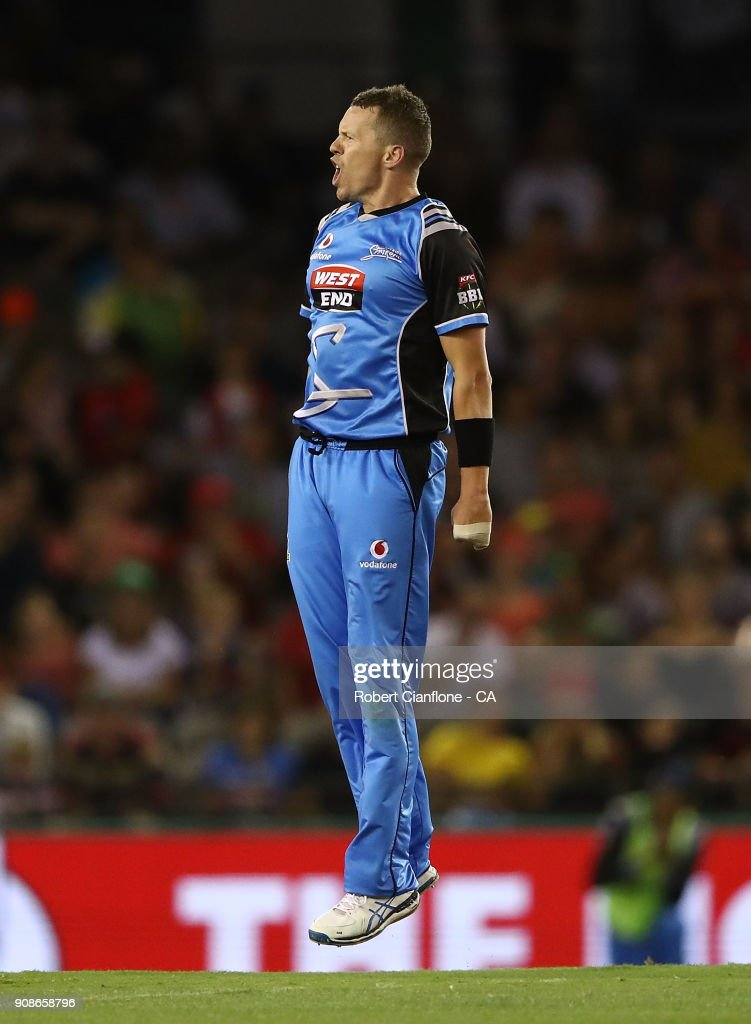 Peter Siddle of the Strikers celebrates the wicket of Tim Ludeman of the Renegades during the Big Bash League match between the Melbourne Renegades and the Adelaide Strikers at Etihad Stadium on January 22, 2018 in Melbourne, Australia.