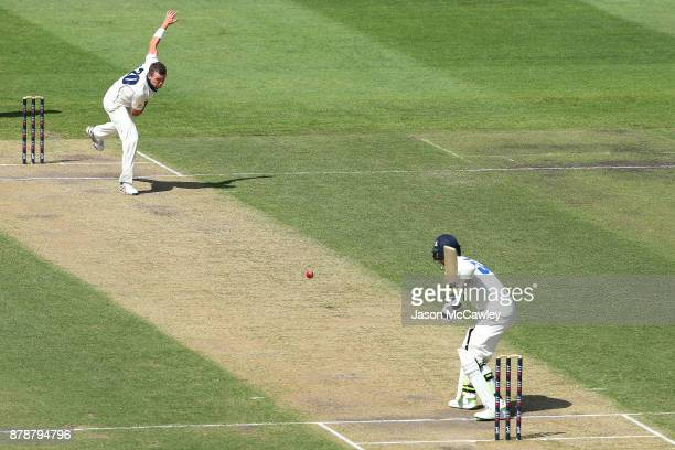Peter Siddle of Victoria bowls to Nic Maddinson of NSW during day two of the Sheffield Shield match between New South Wales and Victoria at North...