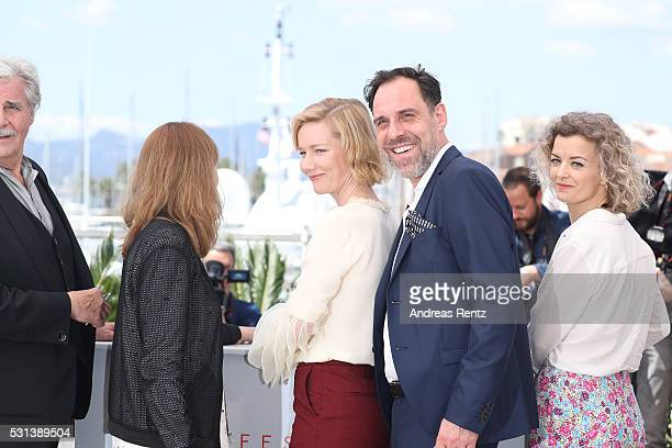 "Peter Simonischek, Maren Ade, Sandra Huller, Thomas Loibl and Lucy Russell attend the ""Toni Erdmann"" photocall during the annual 69th Cannes Film..."