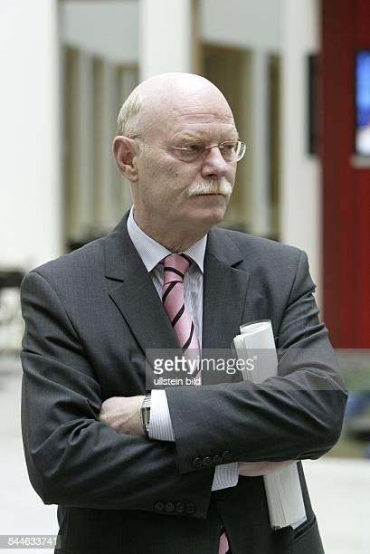 Peter Struck Politker SPD D Vorsitzender der SPDBundestagsfraktion