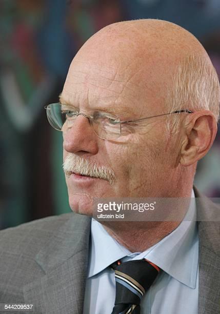 Peter Struck Verteidigungsminister SPD D