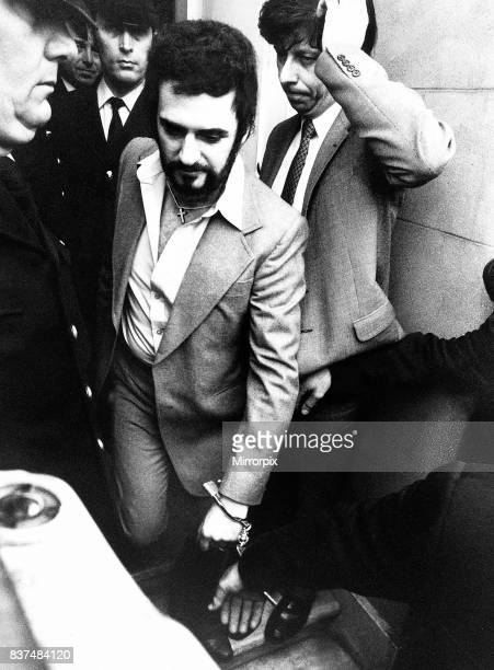 Peter Sutcliffe the Yorkshire ripper handcuffed leaving court msi January 5th 1981 A 35-year-old lorry driver from Bradford, suspected of carrying...