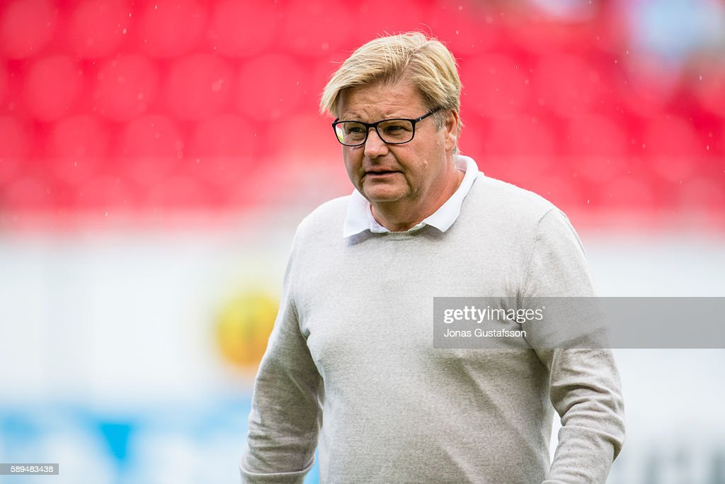 Peter Swardh, head coach of Kalmar FF during the Allsvenskan match between Kalmar FF and Malmo FF at Guldfageln Arena on August 14, 2016 in Kalmar, Sweden.