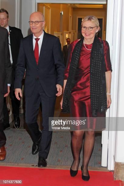 Peter Tschentscher and his wife Eva Maria Tschentscher attend the 'Hamburger des Jahres' Gala at Hotel Atlantic on December 18, 2018 in Hamburg,...
