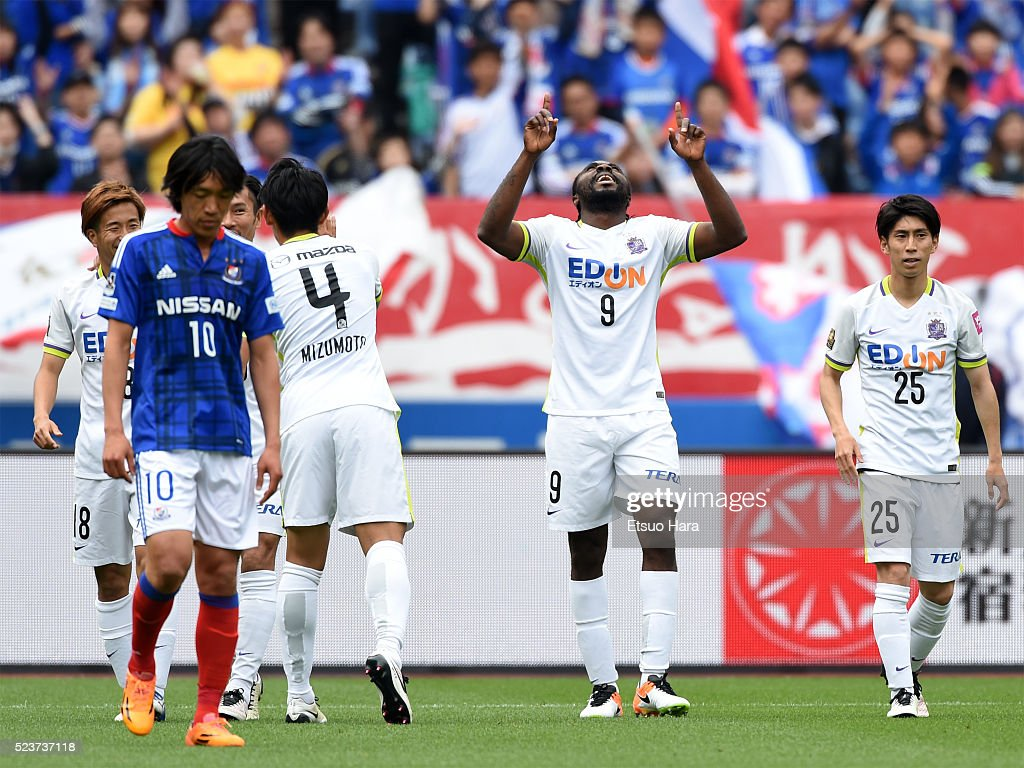 Peter Utaka of Sanfrecce Hiroshima#9 celebrates scoring his team's first goal during the J.League match between Yokohama F.Marinos and Sanfrecce Hiroshima at the Nissan Stadium on April 24, 2016 in Yokohama, Kanagawa, Japan.