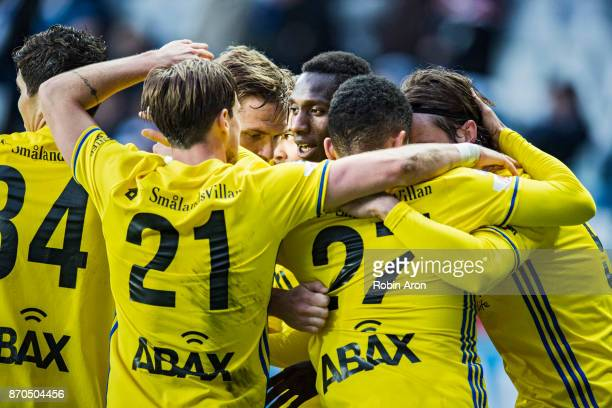 Peter Wilson of GIF Sundsvall celebrates with teammates after scoring 02 during the Allsvenskan match between IFK Goteborg and GIF Sundvall at Gamla...