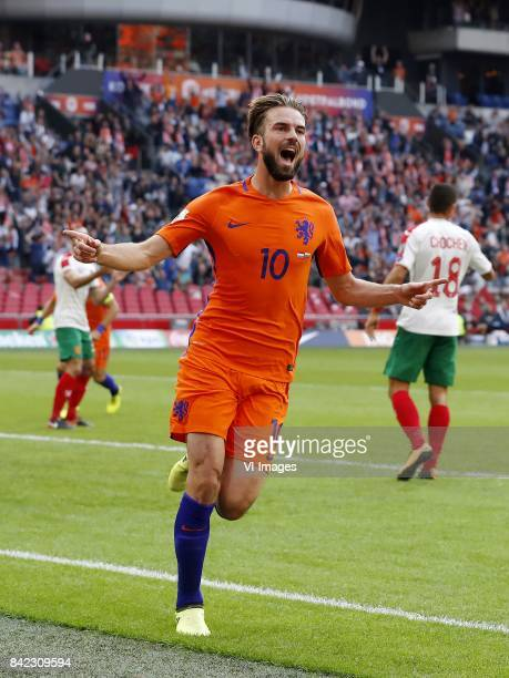 Peter Zanev of Bulgaria Davy Propper of Holland Ivaylo Chochev of Bulgaria during the FIFA World Cup 2018 qualifying match between The Netherlands...