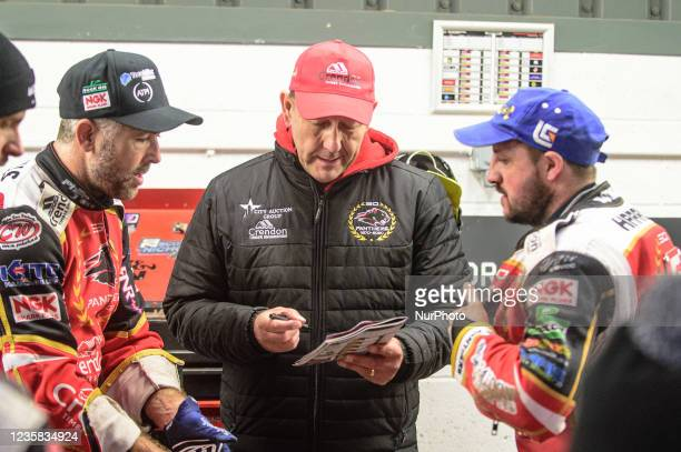 Peterborough Crendon Panthers manager Rob Lyon with Scott Nicholls and Chris Harris during the SGB Premiership Grand Final 1st Leg between Belle Vue...