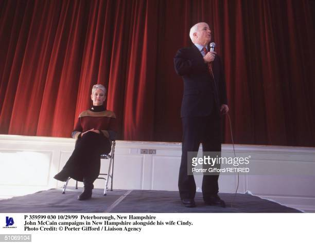 Peterborough New Hampshire John Mccain Campaigns In New Hampshire Alongside His Wife Cindy
