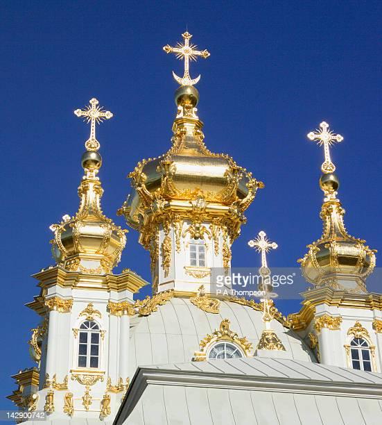 peterhof palace, st petersburg, russia - groot paleis peterhof stockfoto's en -beelden