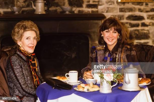 Petit déjeuner pour Nancy Reagan et Mila Mulroney l'épouse du Premier ministre Brian Mulroney en mars 1985 à Québec Canada