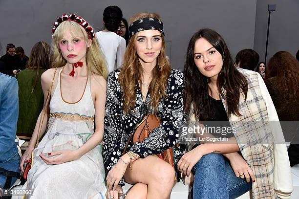Petite MellerChiara Ferragni and Atlanta de Cadenet attend the Chloe show as part of the Paris Fashion Week Womenswear Fall/Winter 2016/2017 on March...