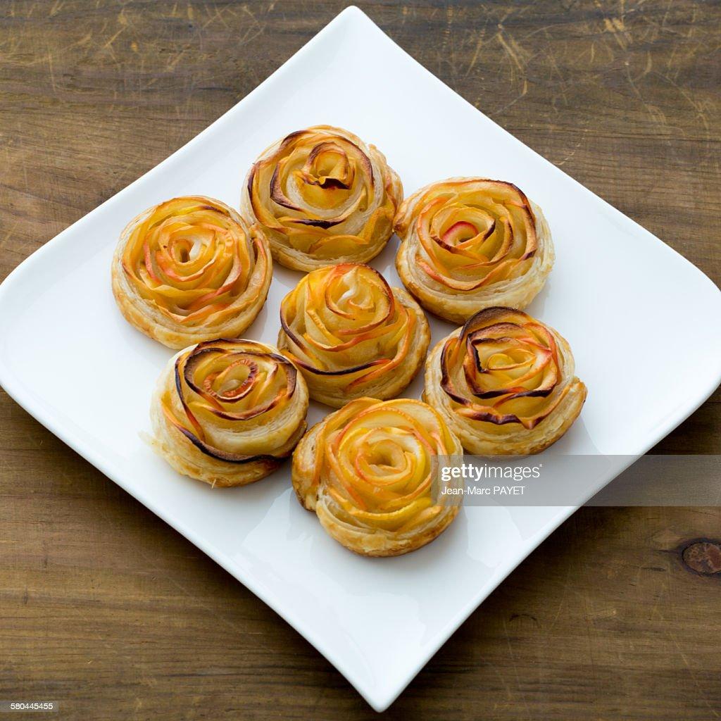 Petits fours home made, mini apple pies : Photo