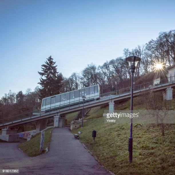 petřín funicular, petrin hill, prague, czech republic - vsojoy stockfoto's en -beelden