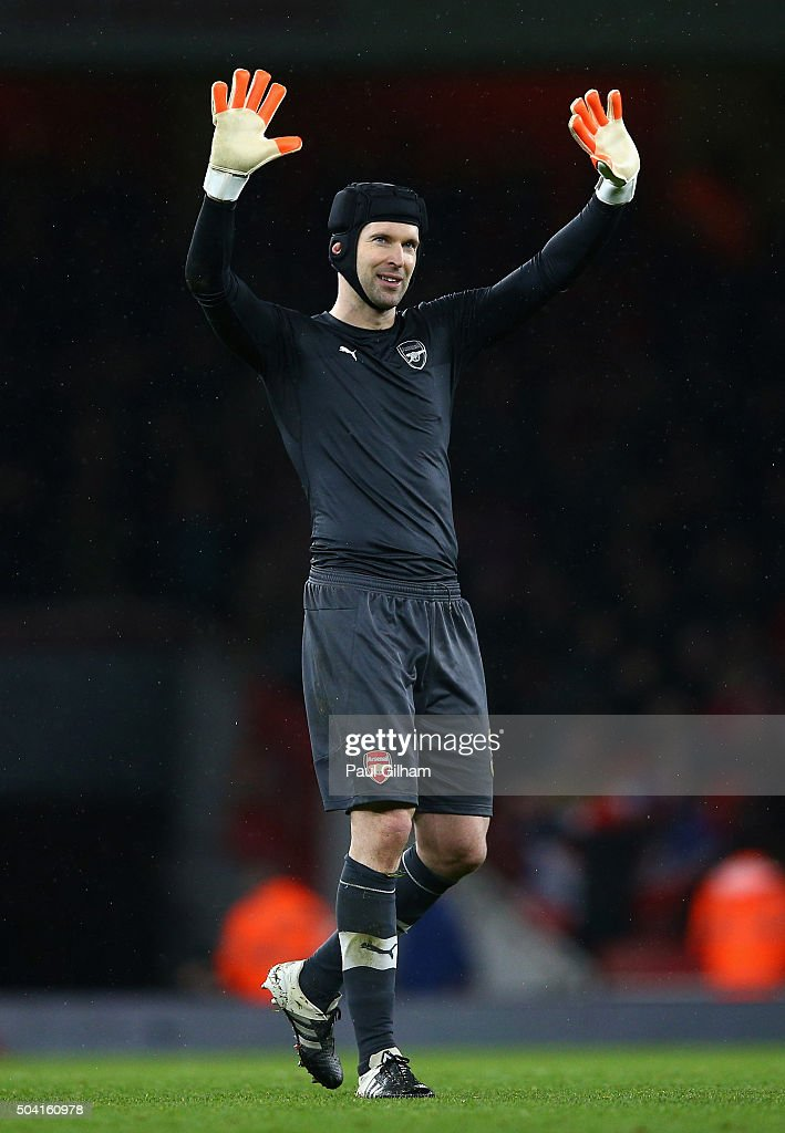 Arsenal v Sunderland - The Emirates FA Cup Third Round : News Photo