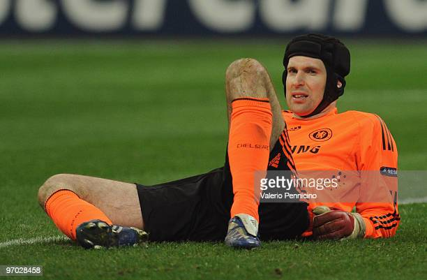 Petr Cech of Chelsea lies injured during the UEFA Champions League round of 16 first leg match between Inter Milan and Chelsea on February 24 2010 in...