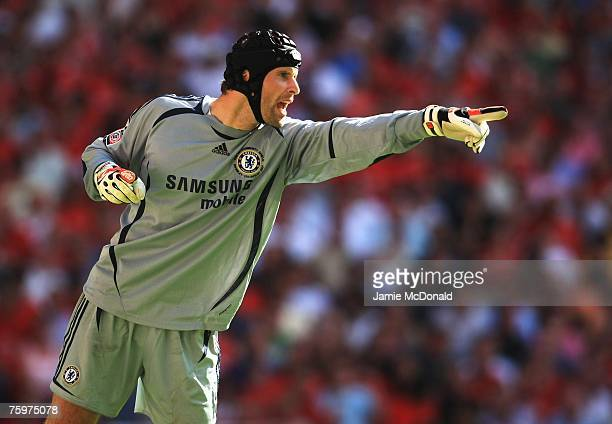 Petr Cech of Chelsea organises his defence during the FA Community Shield match between Chelsea and Manchester United at Wembley Stadium on August 5,...