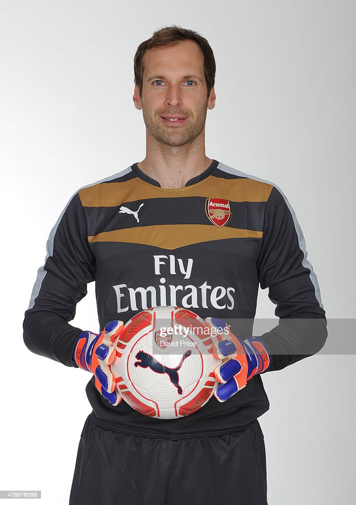 Arsenal Unveil New Signing Petr Cech : News Photo