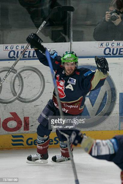 Petr Fical celebrates his decisive goal during the DEL Play Off semi final match between Sinupret Ice Tigers and DEG Metro Stars at the Arena...