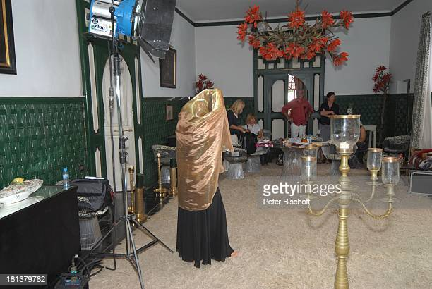 Petra Berndt Lutz MeierEwert TeamMitglieder Dreharbeiten zur ZDFReihe Kreuzfahrt ins Glück Folge Nr 9 Marokko Villa Bled Targui Marrakesch Marokko...