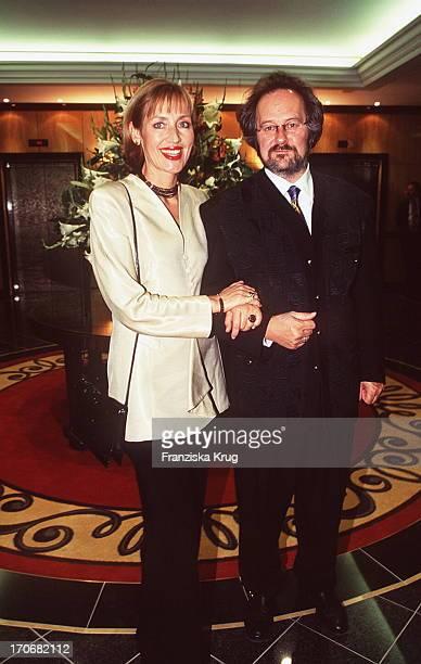 Petra Gerster Und Christian Nürnberger Gerster Bei Ufa Film Ball 1996 In Neuss