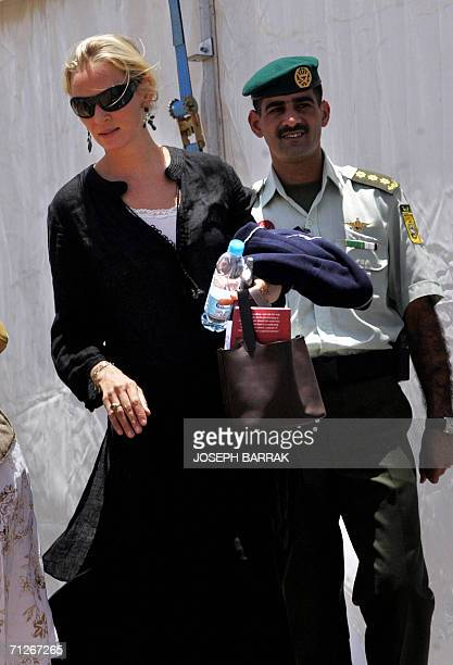 US actress Uma Thurman walks outside the Royal Tent at the closing ceremony of the Second Petra Conference of Nobel Laureates 22 June 2006 in the...