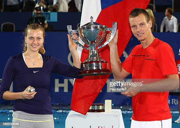 Petra Kvitova and Tomas Berdych of the Czech Republic hold the Hopman Cup and Diamond encrusted balls after defeating Marion Bartoli and Richard...
