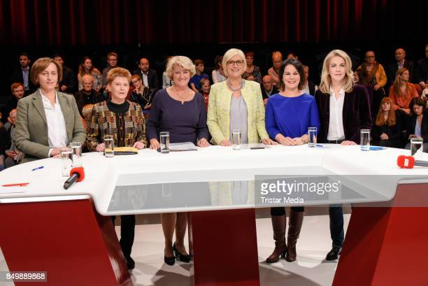 Petra Pau Monika Gruetters Dagmar Ziegler Annalena Baerbock and Linda Teuteberg during the live TV program 'Ihre Wahl 6 Frauen für Berlin und...