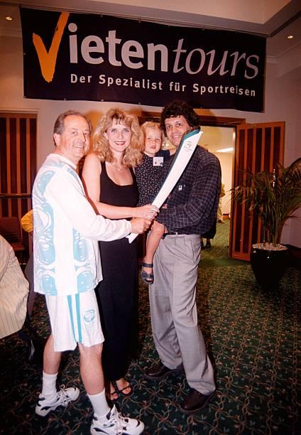 Petra Vieten, Ehemann Wolfgang, Tochter;Annika, Fritz Muller (li ...