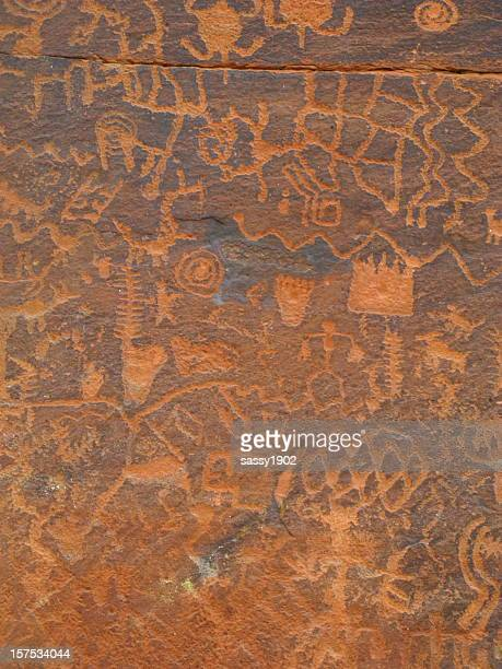 petroglyph solar calender ancient figures - cave painting 個照片及圖片檔