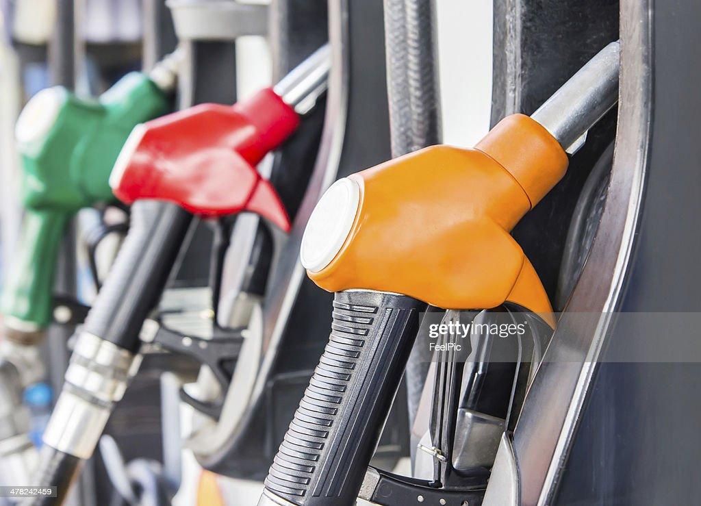 Benzin Pumpe Füllung : Stock-Foto