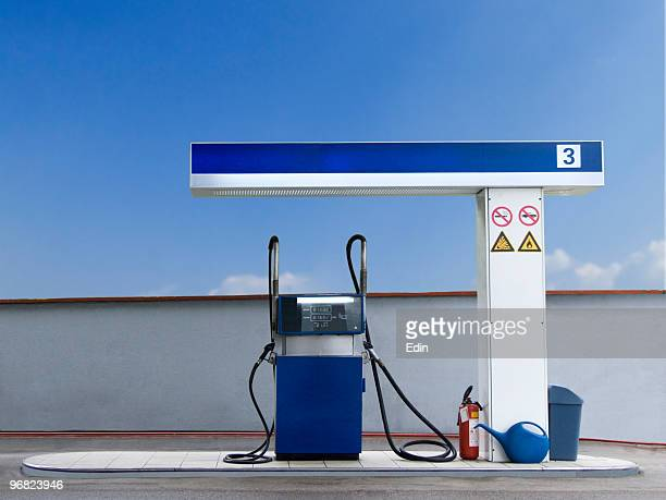 stazione di benzina - distributore di benzina foto e immagini stock