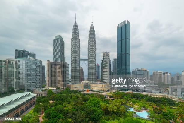 petronas twin tower, kuala lumpur, malaysia - kuala lumpur photos et images de collection