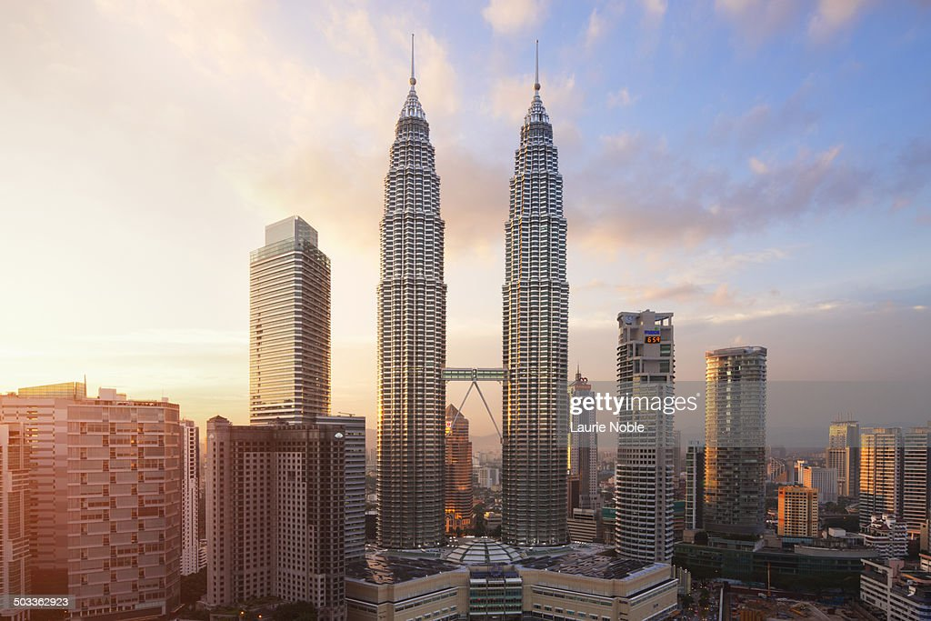 Petronas Twin Towers at sunset : Stock-Foto
